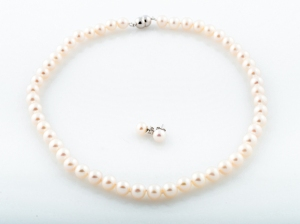 fresh-water-pearls